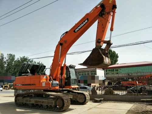 天津出售转让二手8700小时2010年斗山DX380LC挖掘机