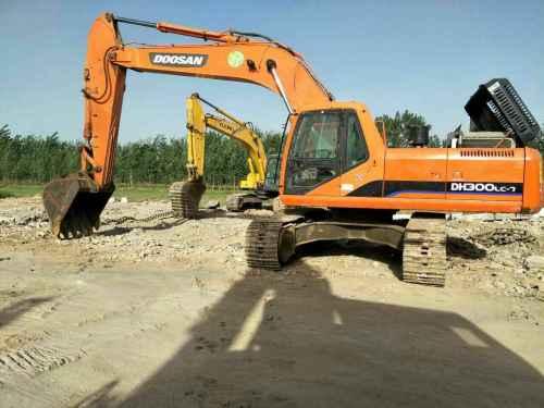 天津出售转让二手6800小时2010年斗山DH300LC挖掘机