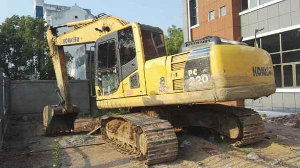 湖北出售转让二手10000小时2009年小松PC210挖掘机