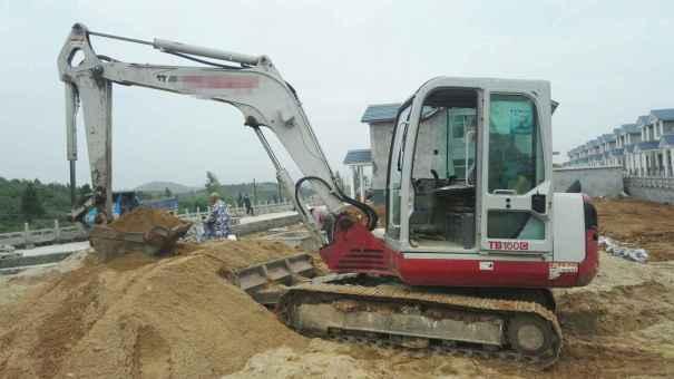 湖北出售转让二手5200小时2011年竹内TB160C挖掘机