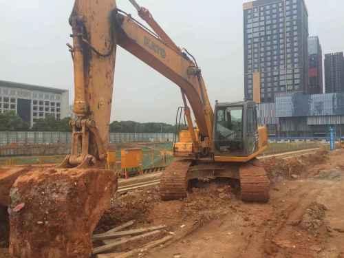 湖北出售转让二手6000小时2013年加藤HD820R挖掘机