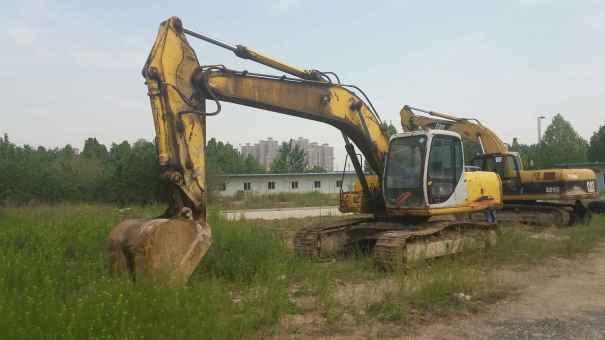 河南出售转让二手12000小时2006年住友SH200A1挖掘机