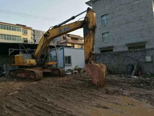 江西出售转让二手10000小时2011年徐工XE210挖掘机