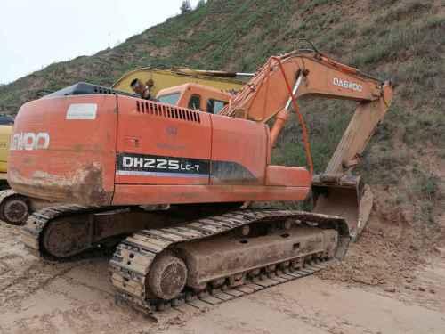 陕西出售转让二手12000小时2006年斗山DH225挖掘机