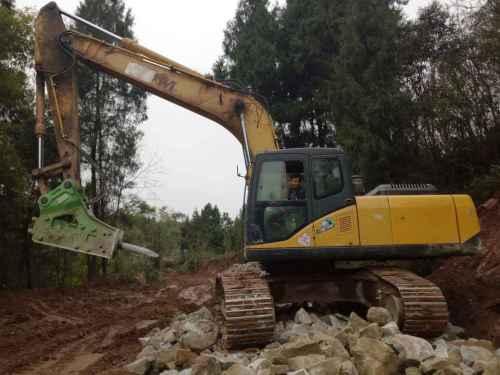 四川出售转让二手7200小时2013年山重建机JCM924D挖掘机