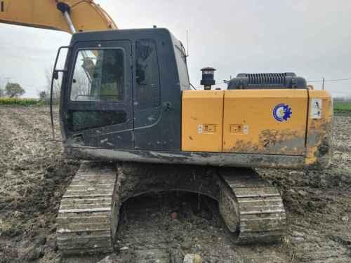 江苏出售转让二手8000小时2011年现代R215挖掘机