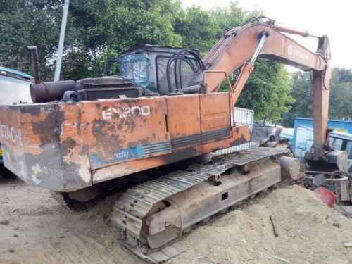 广东出售转让二手23250小时2003年日立EX200挖掘机