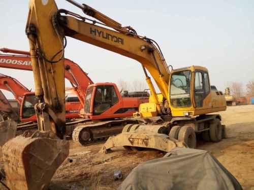 河北出售转让二手10000小时2005年现代轮挖R200W挖掘机