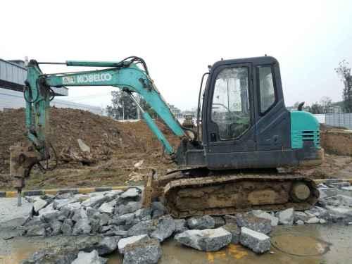 陕西出售转让二手5112小时2010年神钢SK60挖掘机