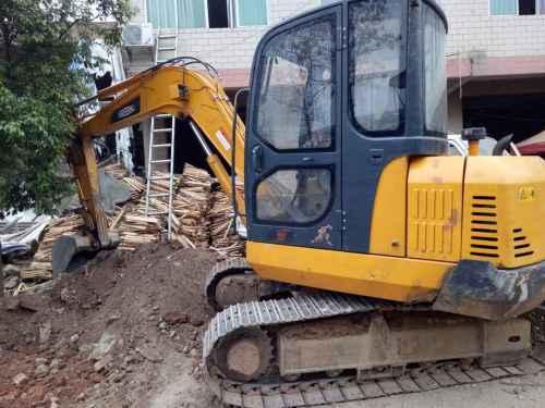 江西出售转让二手5000小时2013年福田雷沃FR65挖掘机
