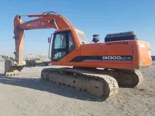 内蒙古出售转让二手10000小时2008年斗山DH300LC挖掘机