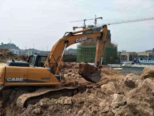 湖北出售转让二手4800小时2013年凯斯CX240B挖掘机