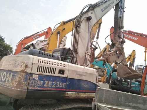 四川出售转让二手8500小时2011年中联重科ZE230E挖掘机