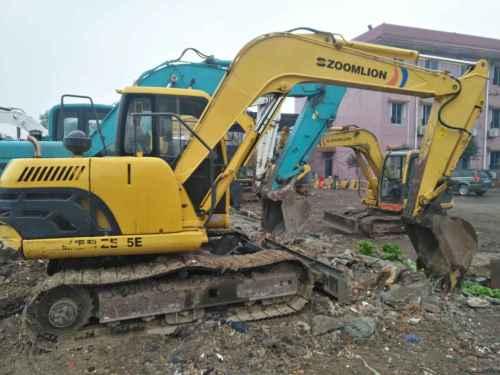 四川出售转让二手3500小时2013年中联重科ZE85E挖掘机