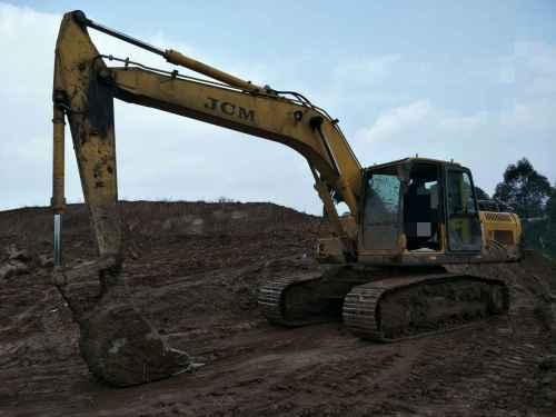 四川出售转让二手2132小时2011年山重建机JCM921D挖掘机