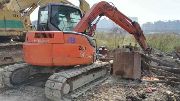 广东出售转让二手9800小时2007年日立ZX75US挖掘机