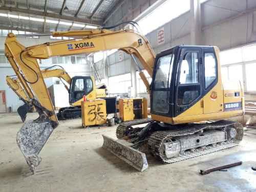 安徽出售转让二手5700小时2013年厦工XG808挖掘机