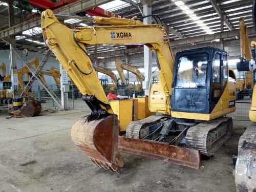 安徽出售转让二手4800小时2013年厦工XG808挖掘机