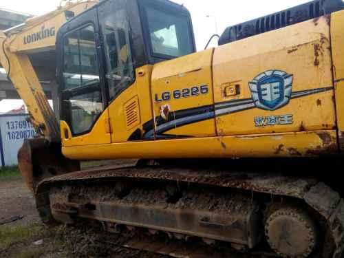 云南出售转让二手5000小时2012年龙工LG6225挖掘机