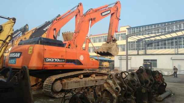 山东出售转让二手5600小时2011年斗山DH370LC挖掘机
