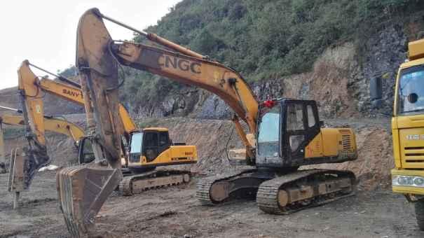 贵州出售转让二手6300小时2012年江麓CN225LC挖掘机