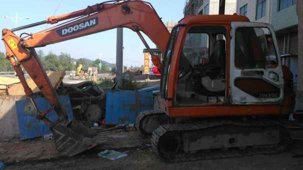 江西出售转让二手10200小时2010年斗山DH80GOLD挖掘机