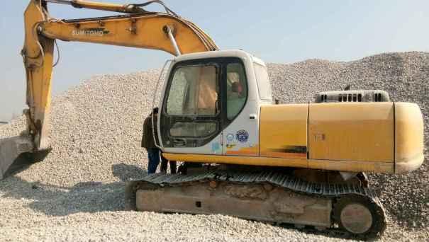 山东出售转让二手10000小时2004年住友SH200A3挖掘机
