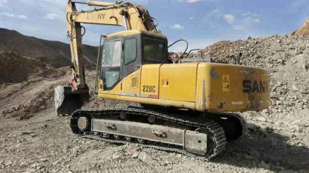 内蒙古出售转让二手20000小时2006年三一重工SY220C挖掘机