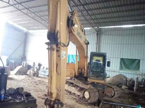 江西出售转让二手10064小时2010年柳工CLG220LC挖掘机