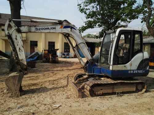 陕西出售转让二手8000小时2009年中联重科ZE60E挖掘机