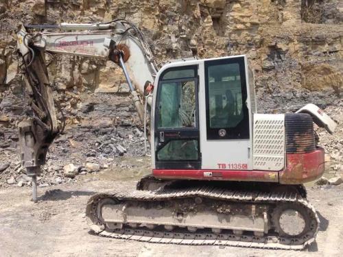 贵州出售转让二手9000小时2011年竹内TB1135C挖掘机