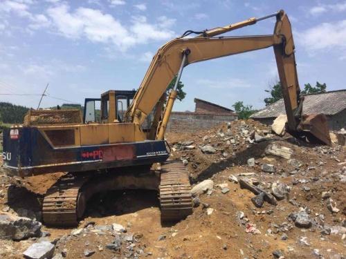 贵州出售转让二手20000小时2002年小松PC200挖掘机