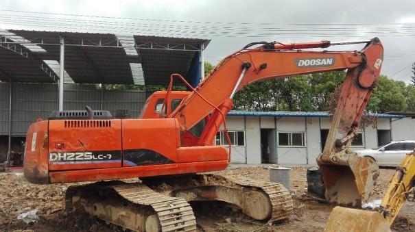 江西出售转让二手10261小时2010年斗山DH225LC挖掘机