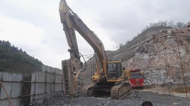 贵州出售转让二手24000小时2001年小松PC450挖掘机