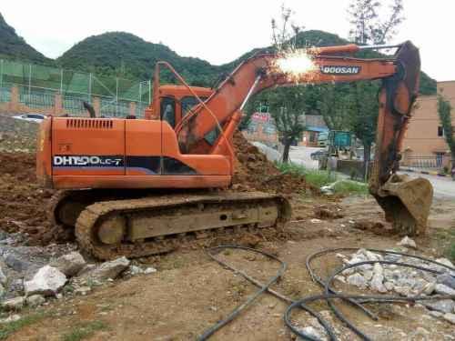 贵州出售转让二手7800小时2011年斗山DH150LC挖掘机
