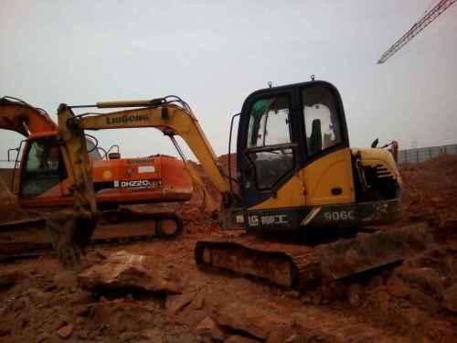 江西出售转让二手5700小时2012年柳工CLG906C挖掘机