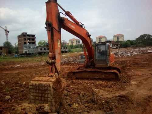 江西出售转让二手18000小时2003年日立EX200挖掘机
