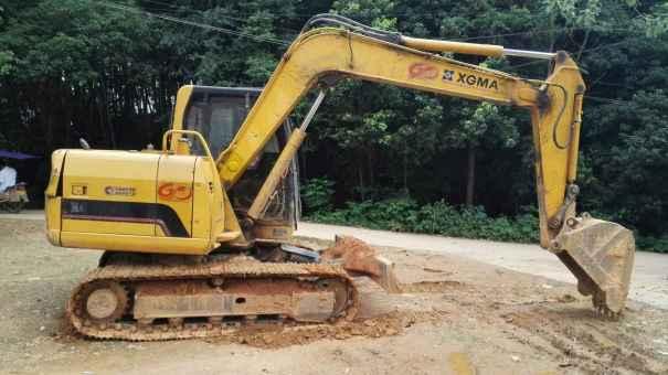 江西出售转让二手5865小时2011年厦工XG808挖掘机