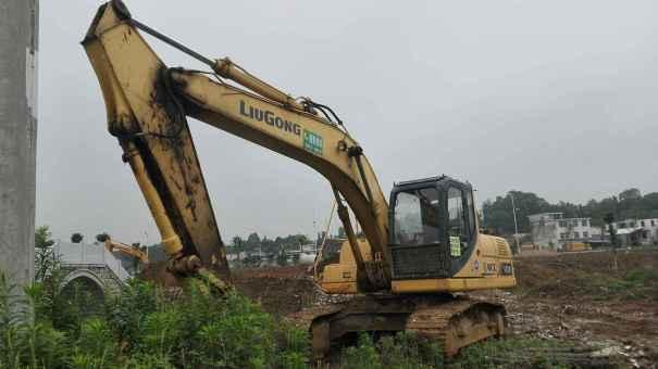 江西出售转让二手8000小时2011年柳工920D挖掘机