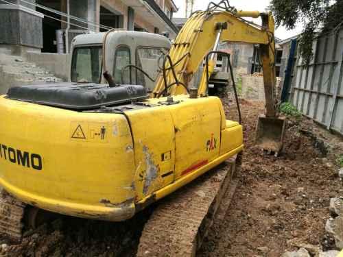 云南出售转让二手20000小时2002年住友SH120挖掘机