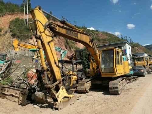 云南出售转让二手13942小时2005年加藤HD250VII挖掘机