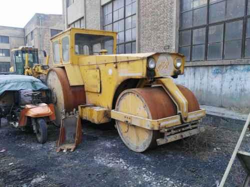 山西出售转让二手8000小时2010年徐工3Y18三轮压路机
