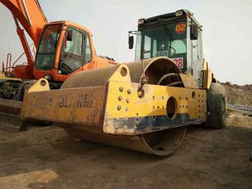 甘肃出售转让二手4000小时2012年洛建LSS2101单钢轮压路机