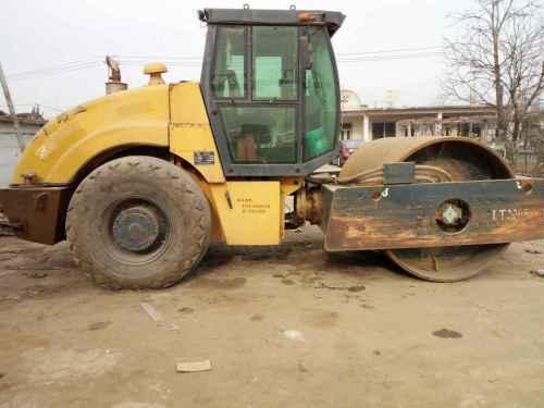 河北出售转让二手10000小时2007年洛阳路通LT220B单钢轮压路机