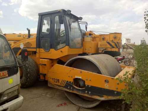 山西出售转让二手4500小时2011年龙工LG520B单钢轮压路机