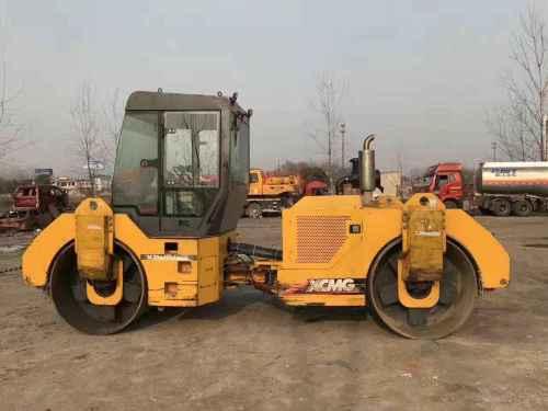 安徽出售转让二手2003小时2012年徐工XD121双钢轮压路机