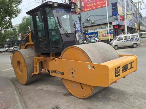 陕西出售转让二手1小时2014年柳工CL6624双钢轮压路机