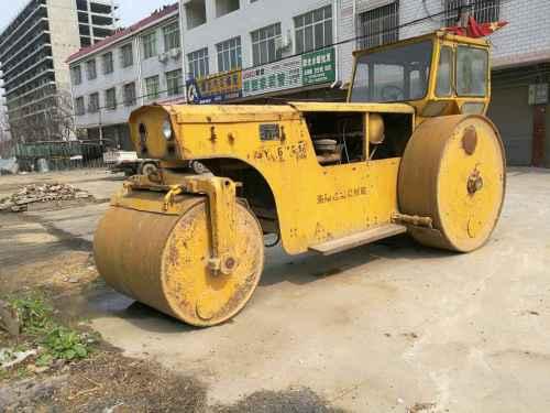 河南出售转让二手5000小时2005年洛建3Y18X21三轮压路机