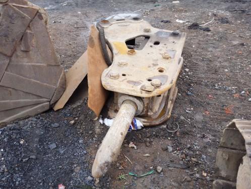 山西出售转让二手3000小时2010年尖兵155破碎锤