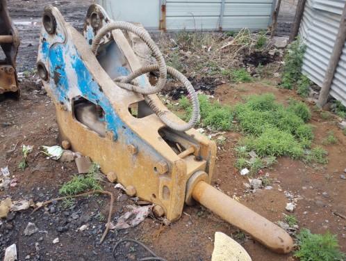 山西出售转让二手500小时2014年贝力特140破碎锤